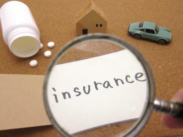 自動車の任意保険とは