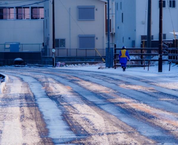 雪道で車がスタックしないために