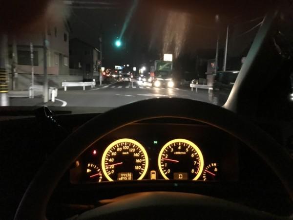 薄暮時の自動車事故を防ぐために